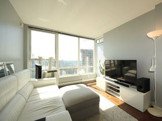 "Photo 3: 2903 928 BEATTY Street in Vancouver: Yaletown Condo for sale in ""MAX 1"" (Vancouver West)  : MLS®# R2294406"