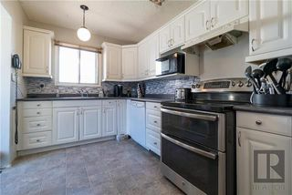 Photo 5: 23 Olivewood Crescent in Winnipeg: Meadowood Residential for sale (2E)  : MLS®# 1823724