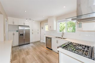 """Photo 5: 7159 116 Street in Delta: Sunshine Hills Woods House for sale in """"Sunshine Hills"""" (N. Delta)  : MLS®# R2306957"""