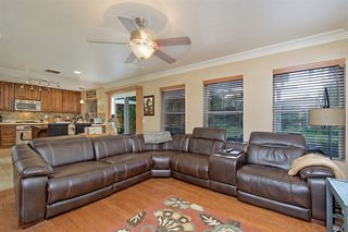 Photo 11: OCEANSIDE House for sale : 4 bedrooms : 3349 RICEWOOD