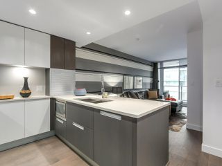 "Photo 2: 1001 288 W 1ST Avenue in Vancouver: False Creek Condo for sale in ""The James Building"" (Vancouver West)  : MLS®# R2331453"