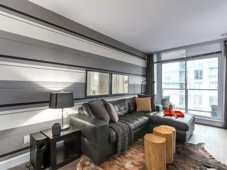 "Photo 3: 1001 288 W 1ST Avenue in Vancouver: False Creek Condo for sale in ""The James Building"" (Vancouver West)  : MLS®# R2331453"
