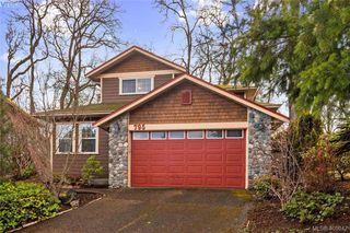 Main Photo: 795 Martin Road in VICTORIA: SE High Quadra Single Family Detached for sale (Saanich East)  : MLS®# 405047