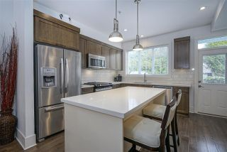 "Photo 8: 8 12161 237 Street in Maple Ridge: East Central Townhouse for sale in ""VILLAGE GREEN"" : MLS®# R2335955"