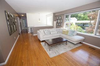 Photo 4: 2211 HOSKINS Road in North Vancouver: Westlynn Terrace House for sale : MLS®# R2369481