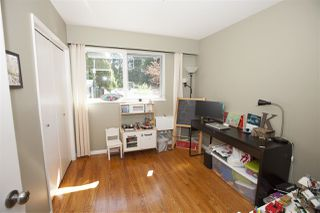 Photo 8: 2211 HOSKINS Road in North Vancouver: Westlynn Terrace House for sale : MLS®# R2369481