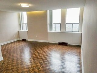 Photo 2: 4304 95 Thorncliffe Park Drive in Toronto: Thorncliffe Park Condo for lease (Toronto C11)  : MLS®# C4450564