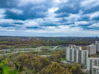Photo 13: 4304 95 Thorncliffe Park Drive in Toronto: Thorncliffe Park Condo for lease (Toronto C11)  : MLS®# C4450564