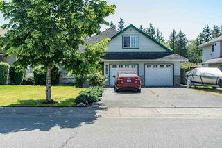 Photo 1: 26960 24A Avenue in Langley: Aldergrove Langley House for sale : MLS®# R2375040