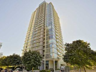 Photo 3: 607 638 BEACH Crescent in Vancouver West: Yaletown Home for sale ()  : MLS®# V1085423