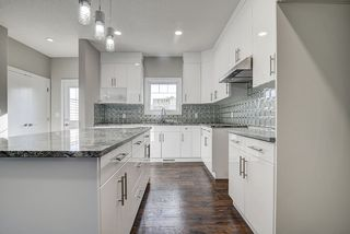 Photo 11: 10357 149 Street in Edmonton: Zone 21 House Half Duplex for sale : MLS®# E4182826