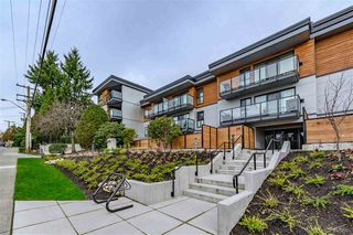 "Photo 2: 210 215 MOWAT Street in New Westminster: Uptown NW Condo for sale in ""CEDARHILL MANOR"" : MLS®# R2435392"