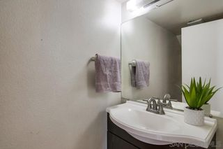 Photo 13: RANCHO SAN DIEGO House for sale : 4 bedrooms : 3806 Avenida Johanna in La Mesa