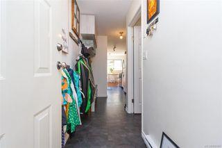 Photo 3: 110 2529 Wark St in : Vi Hillside Condo Apartment for sale (Victoria)  : MLS®# 845367