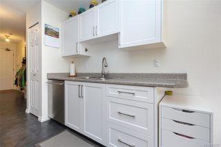 Photo 9: 110 2529 Wark St in : Vi Hillside Condo Apartment for sale (Victoria)  : MLS®# 845367