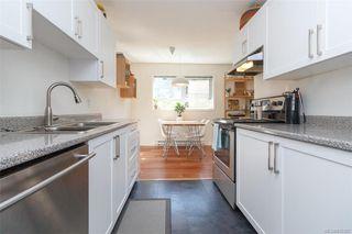 Photo 10: 110 2529 Wark St in : Vi Hillside Condo Apartment for sale (Victoria)  : MLS®# 845367