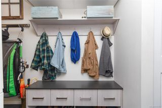 Photo 17: 110 2529 Wark St in : Vi Hillside Condo Apartment for sale (Victoria)  : MLS®# 845367