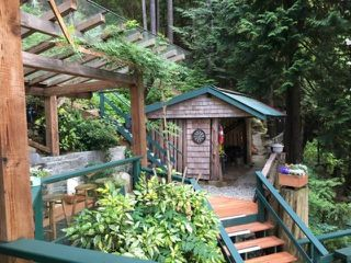 """Photo 5: 32 JOHNSON Bay in North Vancouver: Indian Arm House for sale in """"Johnson Bay"""" : MLS®# R2497994"""