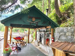 """Photo 4: 32 JOHNSON Bay in North Vancouver: Indian Arm House for sale in """"Johnson Bay"""" : MLS®# R2497994"""