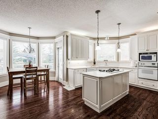 Photo 15: 224 Valley Ridge Court NW in Calgary: Valley Ridge Detached for sale : MLS®# A1041159