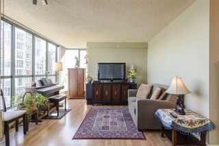 """Photo 4: 805 1188 QUEBEC Street in Vancouver: Downtown VE Condo for sale in """"Citygate One by Bosa"""" (Vancouver East)  : MLS®# R2511377"""