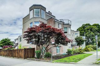 "Photo 11: 208 2110 CORNWALL Avenue in Vancouver: Kitsilano Condo for sale in ""Seagate Villa"" (Vancouver West)  : MLS®# R2515614"