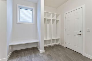 Photo 12: 294 Crestmont Drive SW in Calgary: Crestmont Detached for sale : MLS®# A1055191