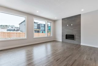 Photo 9: 294 Crestmont Drive SW in Calgary: Crestmont Detached for sale : MLS®# A1055191
