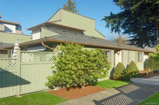 Main Photo: 6 10008 Third St in : Si Sidney North-East Row/Townhouse for sale (Sidney)  : MLS®# 862875