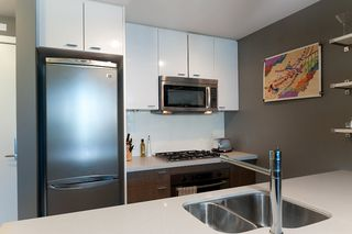 "Photo 16: 502 531 BEATTY Street in Vancouver: Downtown VW Condo for sale in ""531 BEATTY"" (Vancouver West)  : MLS®# V890275"