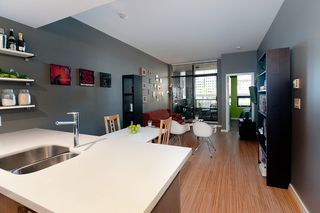 "Photo 4: 502 531 BEATTY Street in Vancouver: Downtown VW Condo for sale in ""531 BEATTY"" (Vancouver West)  : MLS®# V890275"
