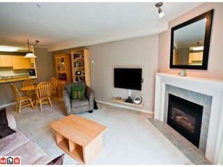 "Photo 3: 314 15150 29A Avenue in Surrey: King George Corridor Condo for sale in ""SANDS"" (South Surrey White Rock)  : MLS®# F1123171"