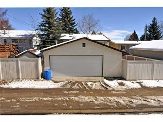 Photo 15: 712 Hunterplain Hill NW in Calgary: Huntington Hills Residential Detached Single Family for sale : MLS®# C3467636