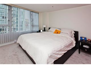 Photo 9: 803 1067 MARINASIDE Crest in Vancouver: Yaletown Condo for sale (Vancouver West)  : MLS®# V948087