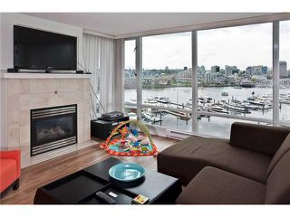 Photo 3: 803 1067 MARINASIDE Crest in Vancouver: Yaletown Condo for sale (Vancouver West)  : MLS®# V948087