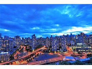 Main Photo: 918 Cooperage Way in Vancouver: Falsecreek North Condo for rent