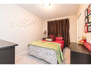 Photo 4: 6662 TEMPLE Drive NE in CALGARY: Temple Residential Attached for sale (Calgary)  : MLS®# C3615955