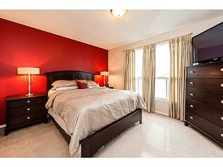 Photo 2: 6662 TEMPLE Drive NE in CALGARY: Temple Residential Attached for sale (Calgary)  : MLS®# C3615955
