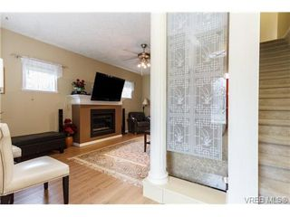 Photo 6: 639 Treanor Ave in VICTORIA: La Thetis Heights House for sale (Langford)  : MLS®# 671823