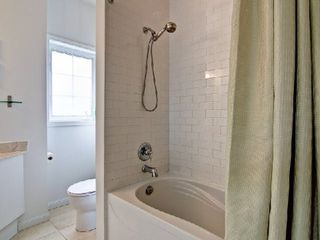 Photo 3: 12 15 W Windermere Avenue in Toronto: High Park-Swansea Condo for sale (Toronto W01)  : MLS®# W2916258