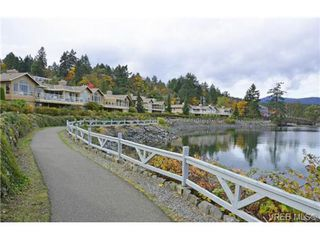 Photo 18: 503 6880 Wallace Dr in BRENTWOOD BAY: CS Brentwood Bay Row/Townhouse for sale (Central Saanich)  : MLS®# 686776