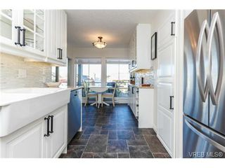 Photo 10: 503 6880 Wallace Dr in BRENTWOOD BAY: CS Brentwood Bay Row/Townhouse for sale (Central Saanich)  : MLS®# 686776