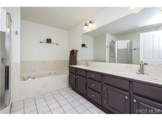 Photo 12: 503 6880 Wallace Dr in BRENTWOOD BAY: CS Brentwood Bay Row/Townhouse for sale (Central Saanich)  : MLS®# 686776