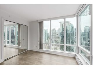"Photo 13: 1803 499 BROUGHTON Street in Vancouver: Coal Harbour Condo for sale in ""DENIA"" (Vancouver West)  : MLS®# V1104068"