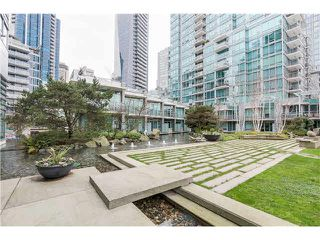 "Photo 18: 1803 499 BROUGHTON Street in Vancouver: Coal Harbour Condo for sale in ""DENIA"" (Vancouver West)  : MLS®# V1104068"