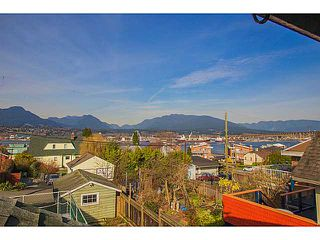 """Photo 1: 2875 TRINITY Street in Vancouver: Hastings East House for sale in """"SUNRISE/EAST VILLAGE"""" (Vancouver East)  : MLS®# V1109853"""