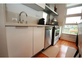"Photo 9: 310 1808 W 1ST Avenue in Vancouver: Kitsilano Condo for sale in ""FIRST ON FIRST"" (Vancouver West)  : MLS®# V1113360"