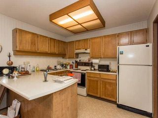 "Photo 8: 202 13882 102 Avenue in Surrey: Whalley Townhouse for sale in ""GLENDALE VILLAGE"" (North Surrey)  : MLS®# F1438802"