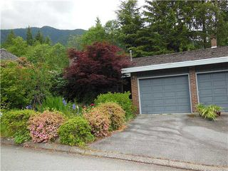 "Photo 3: 5472 BLUEBERRY Lane in North Vancouver: Grouse Woods House for sale in ""GROUSE WOODS"" : MLS®# V1127820"