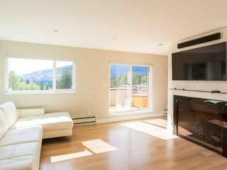 Photo 5: 5620 EAGLE Court in North Vancouver: Grouse Woods House for sale : MLS®# V1140825